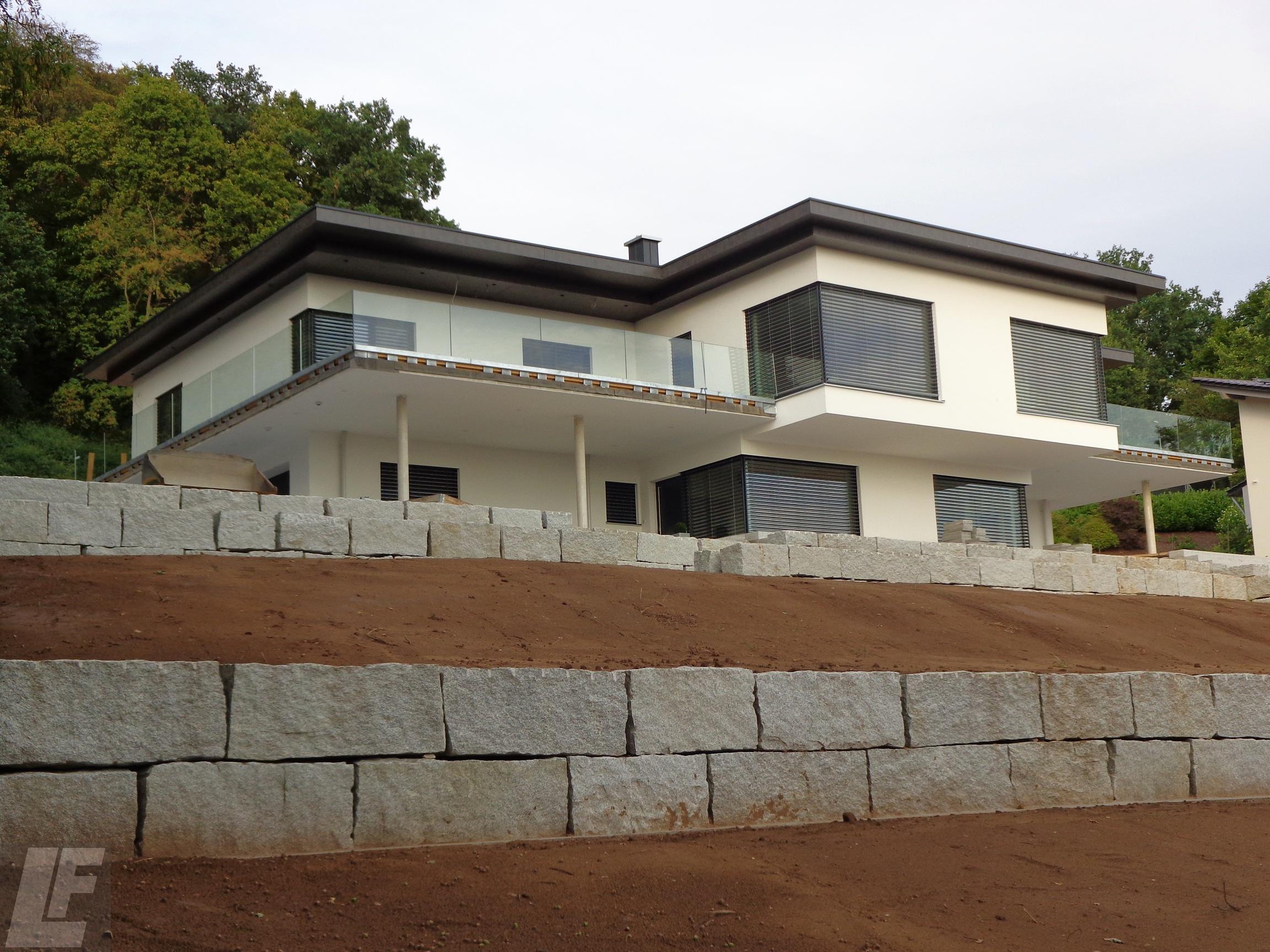 Einfamilienhaus mit flachdach luber freller bau gmbh for Moderner baustil einfamilienhaus